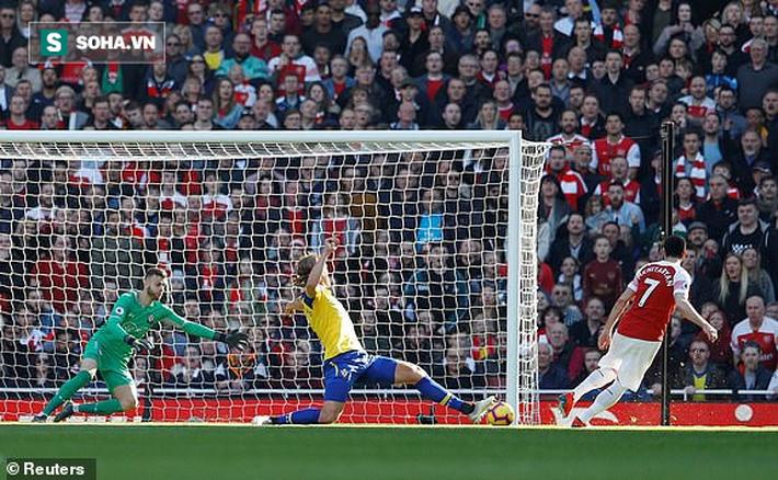 """Hạ gục đối thủ đầy chớp nhoáng, Arsenal gián tiếp """"gieo sầu"""" cho Man United - Ảnh 1."""
