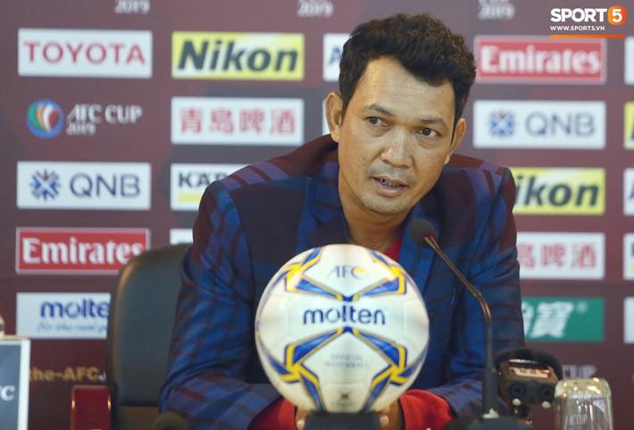 HLV đội khách Naga World tiết lộ cầu thủ quá sợ hãi Hà Nội FC ở trận thua 0-10 - Ảnh 2.