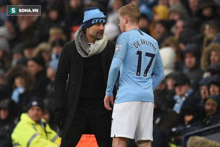 Cơn đau của Man City lại đến từ chính cú đấm thép của Pep Guardiola - Ảnh 1.