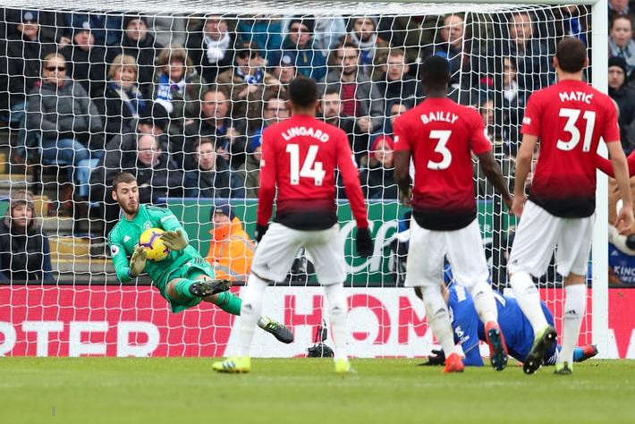 Pogba lại lên đồng, Man United hạ gục đối thủ vừa khiến Liverpool mất điểm - Ảnh 4.