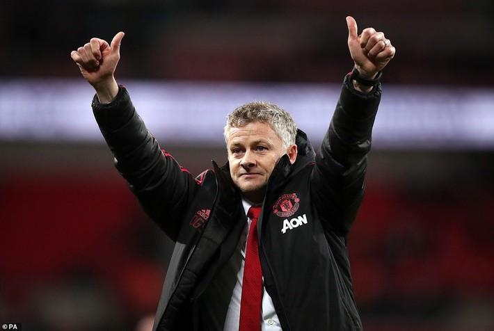 """""""Gã thợ hàn"""" Ranieri tuyên bố sẽ phanh chuỗi trận bất bại của M.U  - Ảnh 1."""