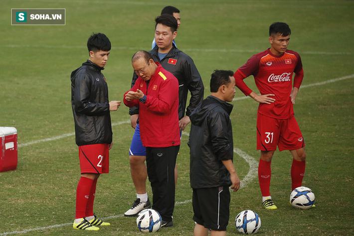 HLV Park Hang-seo đăm chiêu trước chấn thương dai dẳng của Vua phá lưới nội V.League 2018 - Ảnh 4.