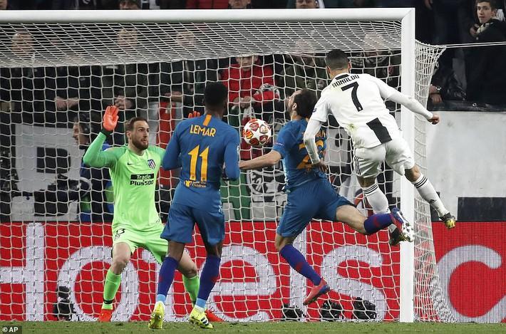 Ronaldo bật chế độ siêu nhân, lập hat-trick giúp Juventus đè bẹp Atletico Madrid - Ảnh 2.