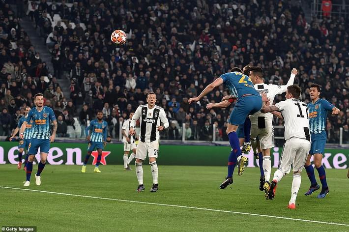 Ronaldo bật chế độ siêu nhân, lập hat-trick giúp Juventus đè bẹp Atletico Madrid - Ảnh 3.