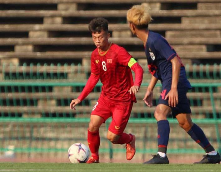 Cặp tiền vệ trung tâm nào cho U23 Việt Nam ở vòng loại U23 châu Á 2020? - Ảnh 2.