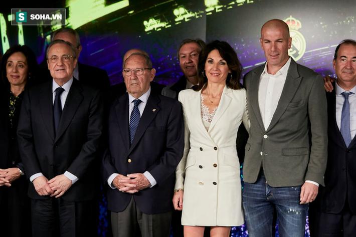 """Real Madrid sẽ sụp đổ cùng """"Achilles"""" Zidane, bởi Sir Alex sẽ quyết định khác cơ - Ảnh 1."""