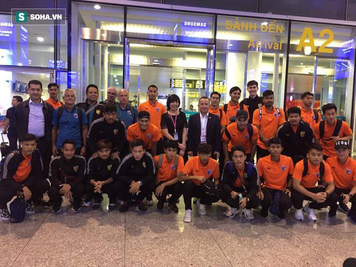 Đến Hà Nội, HLV U23 Thái Lan bất ngờ bẻ kèo trước báo giới - Ảnh 1.
