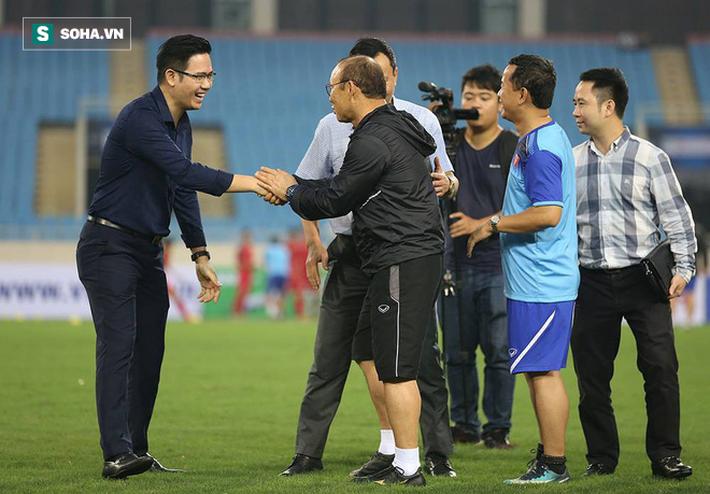 Đến xem U23 Việt Nam, Bầu Tam cao hứng thưởng nóng 500 triệu đồng - Ảnh 3.