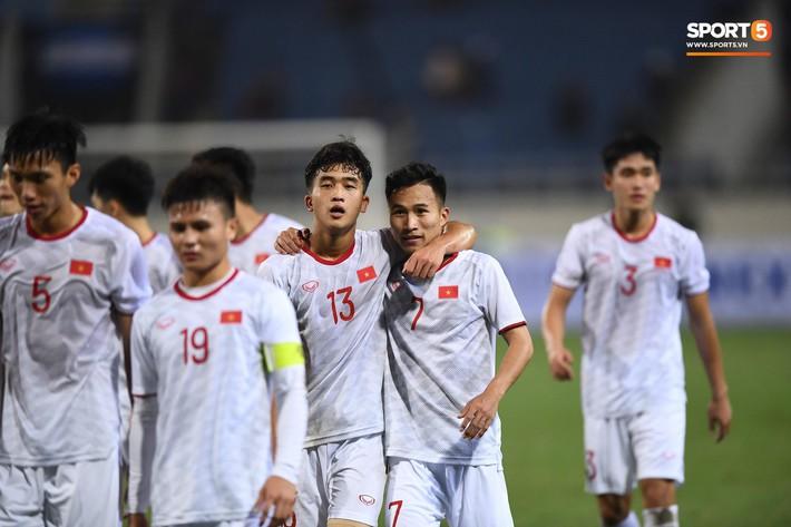 Bật mí mảnh giấy HLV Park Hang-seo nhắc bài Quang Hải trước khi U23 Việt Nam ghi bàn vào lưới Indonesia - Ảnh 10.
