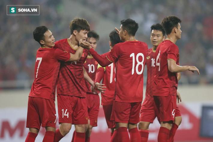 HLV Thái Lan quá sốc vì tỷ số, thừa nhận vỡ trận trước U23 Việt Nam - Ảnh 1.