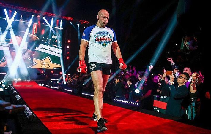 Trận MMA bị hoãn vì võ sĩ gây tai nạn giao thông - Ảnh 1.