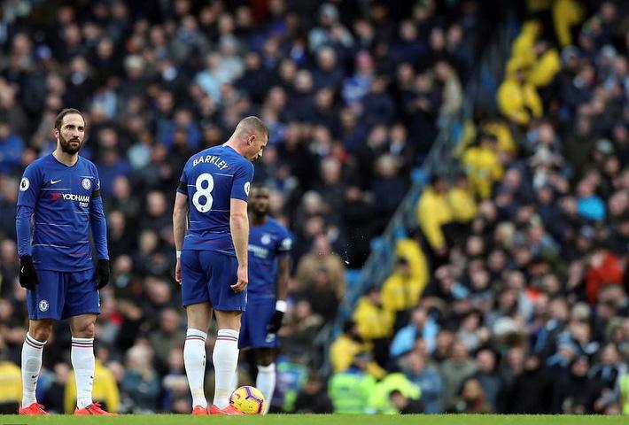 Bị CĐV chửi bới cả trận, HLV Chelsea nói điều không ai ngờ tới - Ảnh 1.