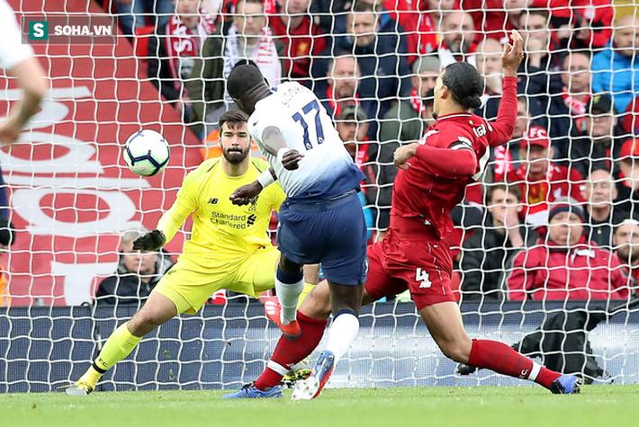 Liverpool lộ phẩm chất quân vương, nhưng cần Man United góp một tay để lên ngôi vô địch - Ảnh 1.