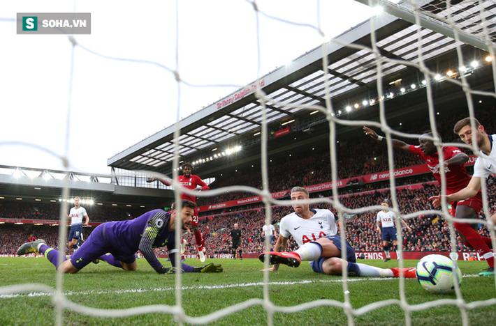 Liverpool lộ phẩm chất quân vương, nhưng cần Man United góp một tay để lên ngôi vô địch - Ảnh 2.