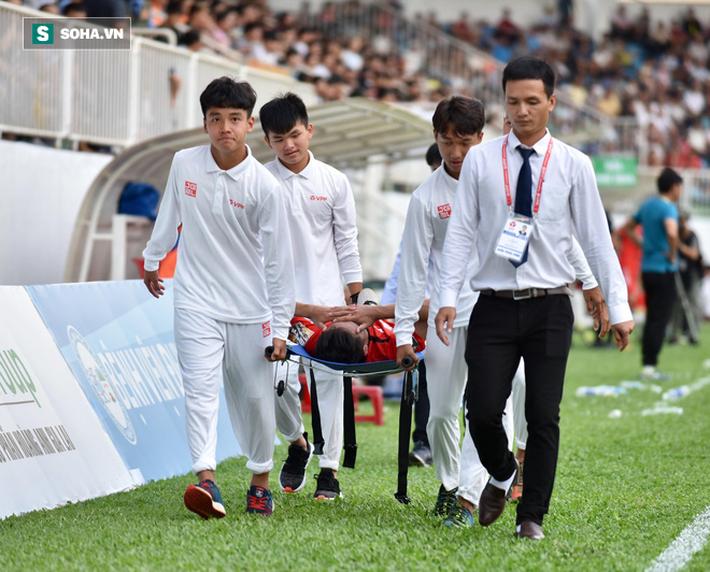 Gà son của HLV Park Hang-seo chấn thương nặng, vào TP.HCM cấp cứu ngay trong đêm - Ảnh 2.