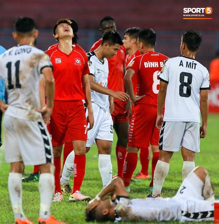 Bị tố đá xấu, HLV của Hải Phòng phản bác: Trong bóng đá tiểu xảo là bình thường, đuổi thêm 2 cầu thủ nữa cũng không sao - Ảnh 2.