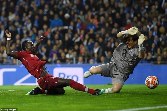 Nhấn chìm Porto trong mưa bàn thắng, Liverpool hiên ngang thách thức Barcelona - Ảnh 2.