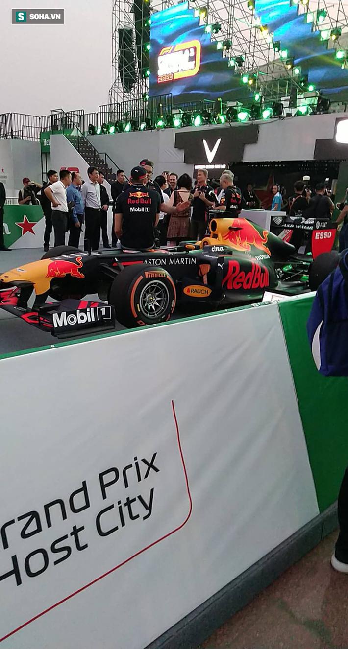 Box TV TRỰC TIẾP Khởi động F1 Việt Nam GP 2020: Quái thú F1 quẩy tung đường đua thử - Ảnh 13.