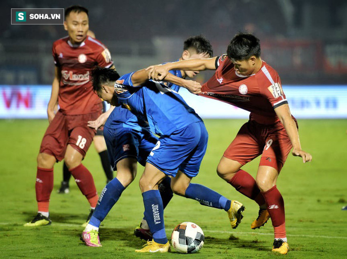 Người cũ của bầu Đức lỡ cơ hội vàng để bỏ xa Hà Nội FC - Ảnh 1.