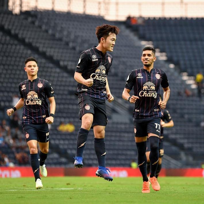 Tuyển Việt Nam dự Kings Cup: Bất ngờ với Công Phượng, Xuân Trường - Ảnh 1.