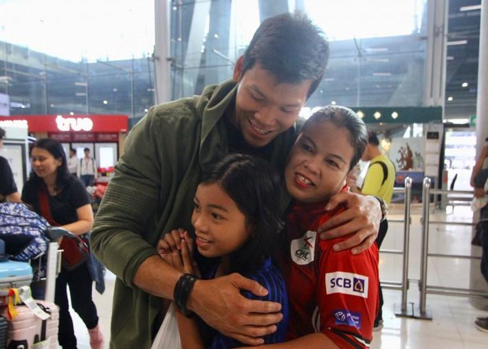 Thái Lan đón tuyển thủ nước ngoài đầu tiên về đấu Việt Nam - Ảnh 6.
