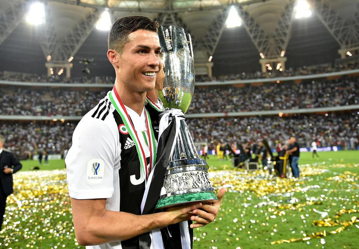 Siêu nhân Ronaldo, thảm họa Fred & những hợp đồng đặc biệt trong mùa giải 2018/19 - Ảnh 1.