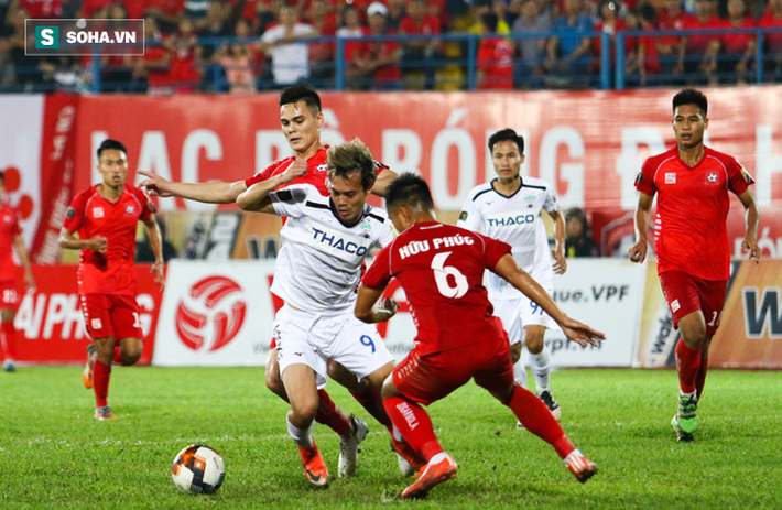 V.League thiếu gì tiền đạo, tại sao thầy Park phải trông đợi vào cầu thủ Việt kiều? - Ảnh 2.