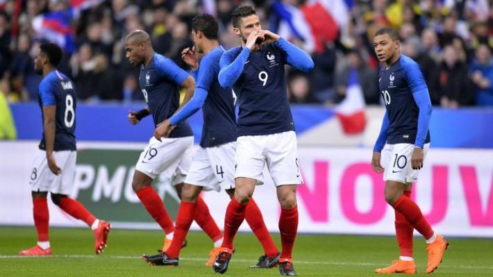 Bỏ lại đằng sau nỗi sầu World Cup, Ronaldo sắp trở thành kẻ thống trị kép ở châu Âu? - Ảnh 3.