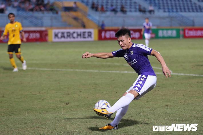 Vì sao Quang Hải không tỏa sáng ở King's Cup 2019? - Ảnh 2.