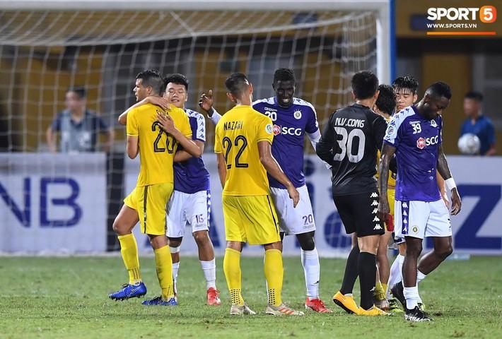 Chẳng phải những ngôi sao, người hùng thầm lặng này mới là nhân tố chính giúp Hà Nội FC làm nên lịch sử tại AFC Cup - Ảnh 10.