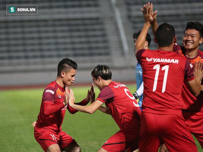 Tuyển Việt Nam tập bài lạ, học trò thầy Park cười tươi rói chờ đấu Thái Lan - Ảnh 6.