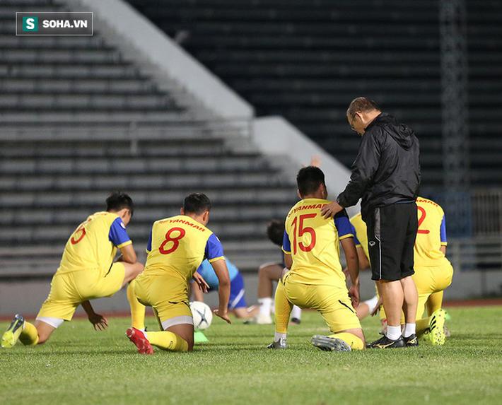 Văn Thanh, Tuấn Anh tập cực sung trước trận gặp Curacao - Ảnh 2.