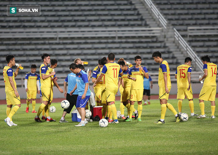 Văn Thanh, Tuấn Anh tập cực sung trước trận gặp Curacao - Ảnh 8.