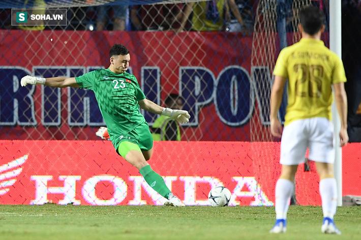 Sau chiến thắng ở Kings Cup, Văn Lâm - Xuân Trường sẽ đảo chiều bóng đá Thái Lan? - Ảnh 3.