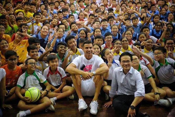 Tuột dốc nhanh, cựu trùm' AFF Cup mời Ronaldo 'kích cầu' - Ảnh 1.