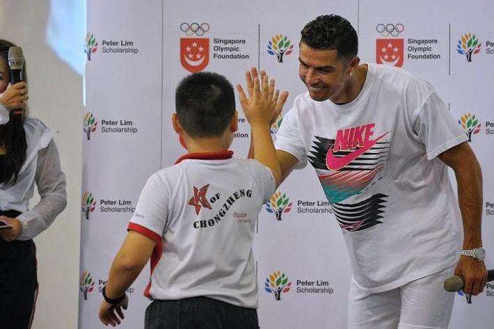 Tuột dốc nhanh, cựu trùm' AFF Cup mời Ronaldo 'kích cầu' - Ảnh 3.