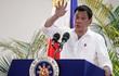 """Tổng thống Philippines """"hứa với Chúa"""" thôi nói tục"""