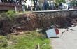 Hải Phòng: Sạt lở nghiêm trọng, đường dẫn cầu tụt xuống lòng sông