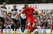 Ăn miếng trả miếng, Liverpool - Tottenham tự ghìm chân nhau