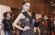 Hương Giang Idol khiến đám đông xôn xao vì mặc quá táo bạo