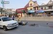 Bất cẩn khi sang đường, cụ ông bị xe máy đâm chấn thương nặng