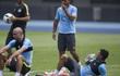 """Bụng ngấn mỡ, sao Man City bị Pep Guardiola """"củ hành"""" dữ dội"""
