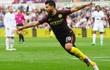"""Highlights: Aguero chói sáng, Man City """"vặt lông"""" Thiên nga"""