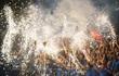Pháo hoa rợp trời trong ngày Than Quảng Ninh vô địch Cúp Quốc Gia