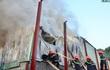 Hà Nội: Cháy lớn cạnh cây xăng trên đường Phạm Văn Đồng