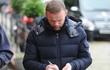 Wayne Rooney bỗng nhiều tóc lạ thường