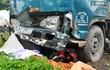 Xe tải lao qua dải phân cách cuốn xe máy vào gầm, 1 người tử vong