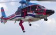 Điều chưa từng có: CĐV thuê trực thăng trao cúp cho Hải Phòng