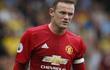 """3 cú """"bẻ lái"""" kỳ quặc của Rooney khiến Mourinho bối rối"""
