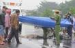 Nghi vấn ô tô biển xanh tông chết người, lợi dụng mưa lớn nhấn ga bỏ trốn